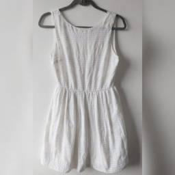 Vestido Curto de Tecido - Tam P