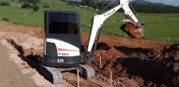 Título do anúncio: Mini escavadeira BOB CAT E 26