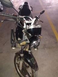 Vende-se tuiste ano 2003 troca em moto Alta 2021 pago no meu nome toda revisada