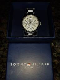 Relógio TOMMY HILFIGER na caixa!
