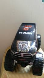 Brinquedo Carro Monster Truck Camuflagem importado USA  a pilha