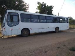 *Vendo ônibus*