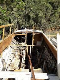 Título do anúncio: Lancha Cabras Mar 74 casco de madeira com fibra