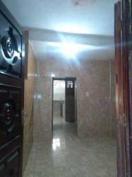 Casa no Antônio Bezerra R$ 350.00