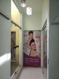 Uma sala para salão de cabeleireira