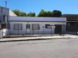 Título do anúncio: Excelente casa com dois dormitórios e garagem localizada no Bairro Salgado Filho