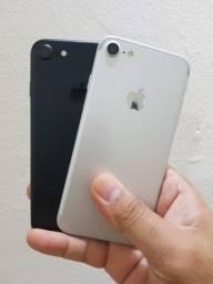 Iphone 7 32 GB duas cores.