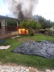 Minha casa pegou fogo ontem, peço uma ajuda