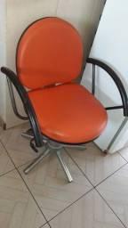 cadeira giratória hidráulica e com encosto reclinável *Conservadíssima<br>