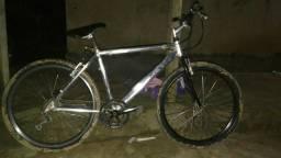 Vendo bicicleta Caloi de alumínio