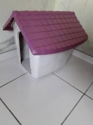Casinha de cachorro na cor rosa