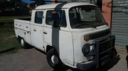 Kombi cabine dupla só falta pequenos reparos lanternagem e pintura - 1983