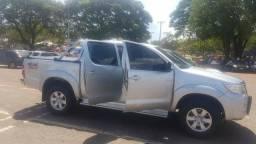 Vendo Toyota Hillux SRV - 2014
