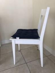 2 Cadeiras Madeira Laqueada