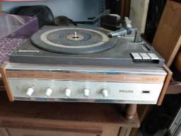 Vitrola toca discos Philips Stereo 547