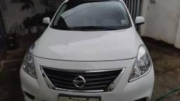 Nissan Versa SL 2014/2014 - Único dono
