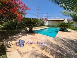 Casa à venda no Porto das Dunas com 3 suítes piscina e churrasqueira