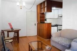 Apartamento todo mobiliado em Pinheiros na Rua Teodoro Sampaio, prox ao Hosp das Clinicas