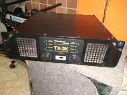 Amplificador times one excelente estado 2700 watts RMS em 4 ohms