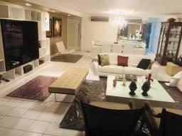 Belo apto em Monteiro com 235 m², 4 quartos sendo todos suíte, 3 v