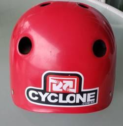 Capacete para skate infantil - Cyclone pouco uso!
