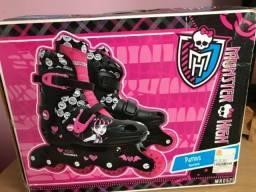 Patins Monster High ajustável usado