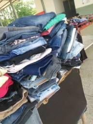 Lotes de roupas.