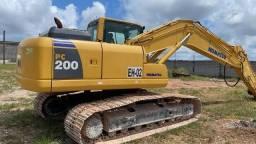 Título do anúncio: Escavadeira hidráulica Komatsu PC 200