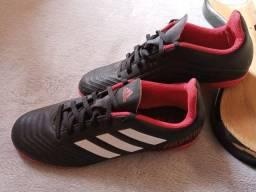 Tênis Adidas de futsal tamanho 39