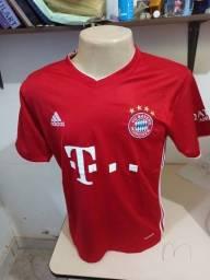Título do anúncio: Camisa clubes europeus Primeira linha importada