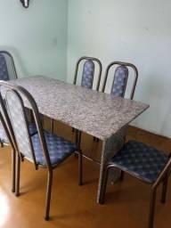 Mesa super conservada