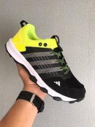 Título do anúncio: Tênis Adidas Kanadia