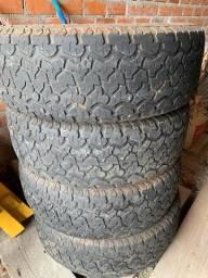 Título do anúncio: Vendo 4 pneus maxxis 980 R18 para camionete