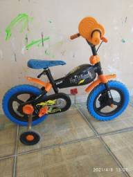 Bicicleta hot Wheels 12