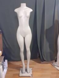 Manequim feminino
