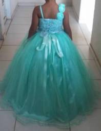 Vestido lindo de criança
