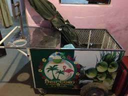 Carroça de coco com preta