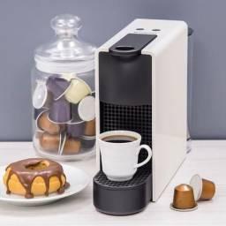 Título do anúncio: Nespresso Essenza Mini Prata 110v Nova Lacrada na Caixa