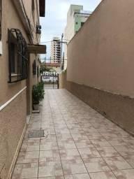 Título do anúncio: Apto térreo de 02 quartos na Imbetiba. R$ 1.200,00 com taxas inclusas!