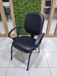 Título do anúncio: Cadeira de couro com apoio de braço