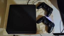 Playstation 4 slim semi novo