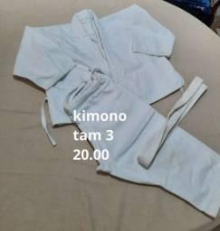 Título do anúncio: Kimono infantil usados