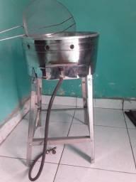 Vendo fritadeira à gás R$ 150.00
