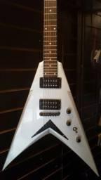 Guitarra Dean Dave Mustaine