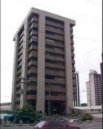 Sala na Av. Tancredo Neves - Ed. Ômega, 110m2