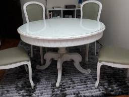 7f5539d13 Mesa redonda branca e cadeiras estilo provençal
