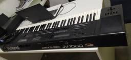 Teclado Roland JV1000