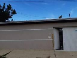 M0211 - Casa de 03 quartos mais kit na Rua 22 do Setor Tradicional