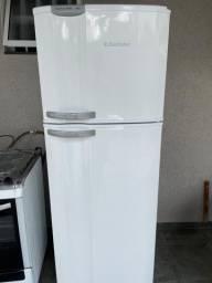 Geladeira Electrolux Frost Free Duplex DF38A - 346 L - Usada