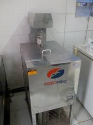 Máquina de sorvete e picolé faz 200 picolés e 50 litros de sorvete hora!!!